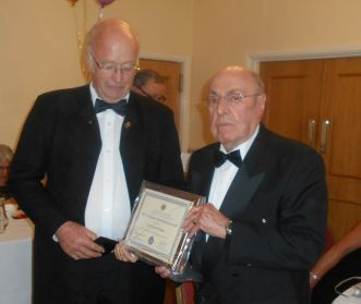 Lion Gerald receiving his Bert Mason Award